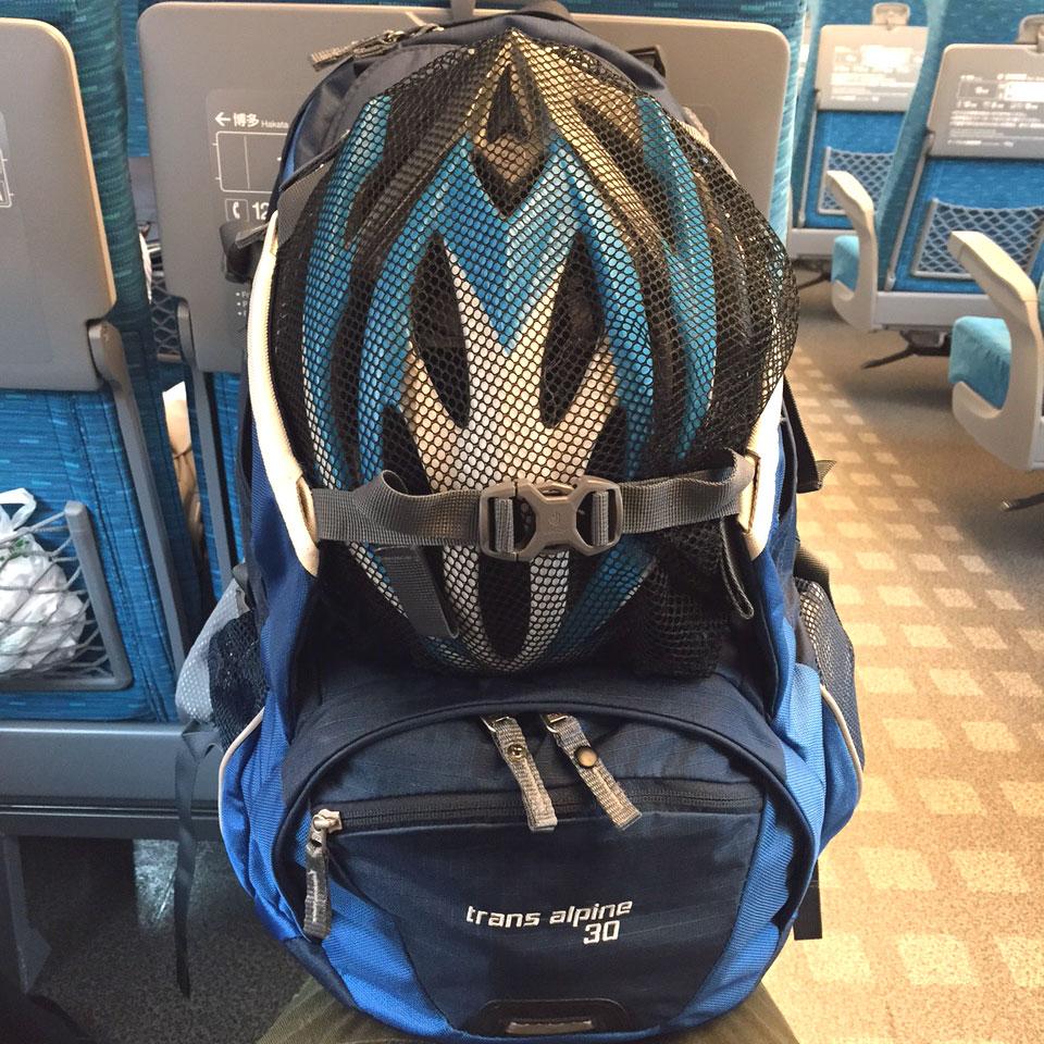 輪行するときのヘルメットの落ち着く先は?