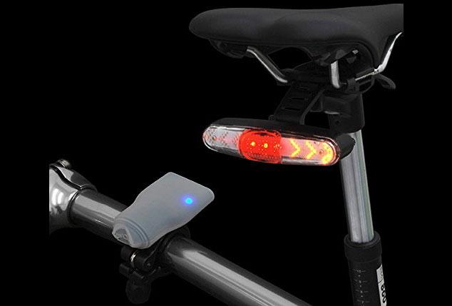 ロードバイクに付けられる、ワイヤレスリモコン付きウィンカー発売。