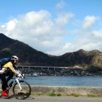 岩城島から生口島を見ながら走る。