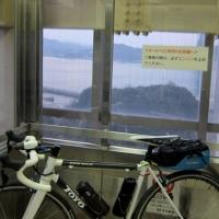 来島海峡大橋の途中のトイレに向かう