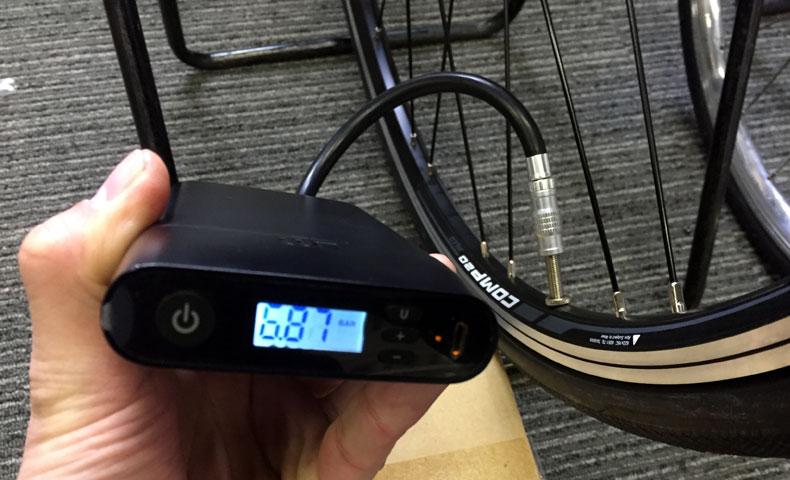 UOMI Smart Air Pump M1 電動携帯ポンプ